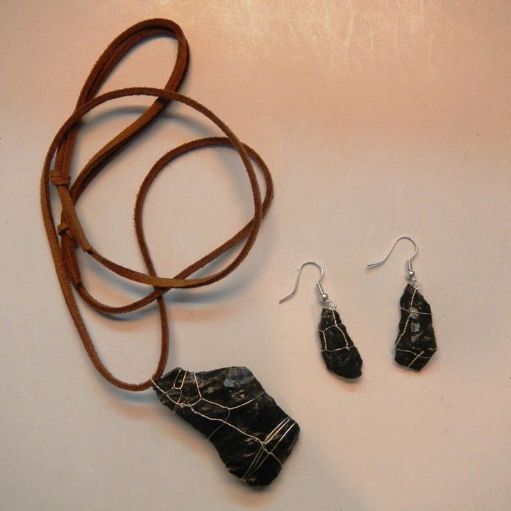 Black Serpentinite Necklace and Earrings ~ Natural stones by ASweetScaleWorld on Etsy