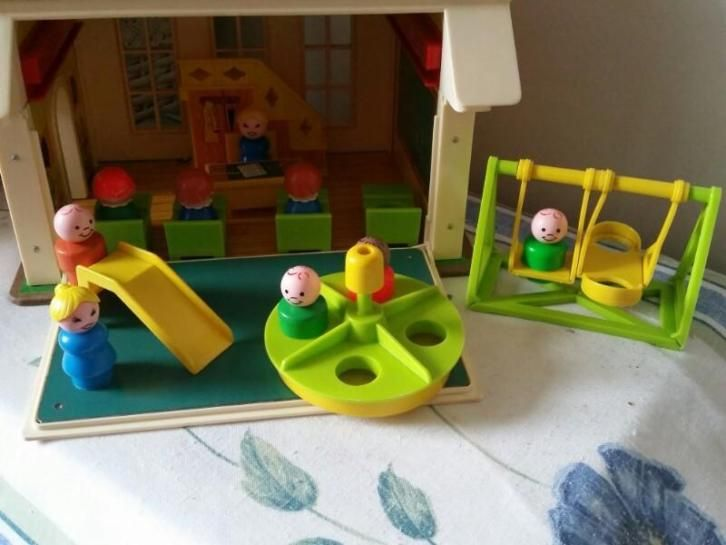 Fisher Price family school 1971. Vintage.
