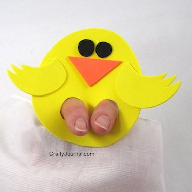 Chicky finger puppets - perfect for Easter. What other finger puppet animals could you make? | Crafty Journal