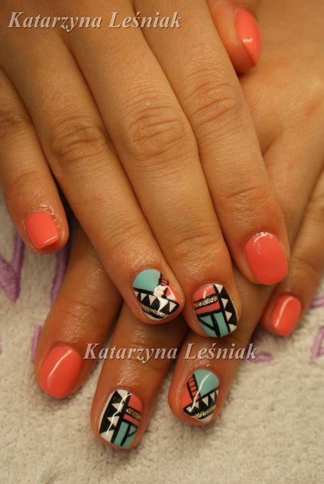 by Kasia Leśniak Double Tap if you like #mani #nailart #nails #aztec Find more Inspiration at www.indigo-nails.com