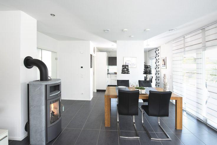 #weberhaus #Fertighaus #holzbauweise #Wohnzimmer #Esszimmer #essbereich #Kamin #fireplace #dining