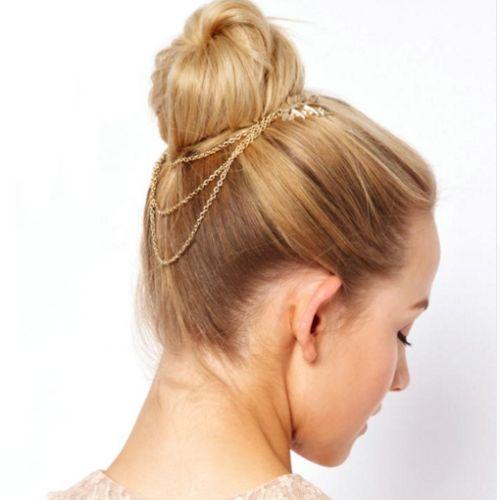 Püsküllü Yaprak Model Saç Aksesuarı Saç taraklarnın püsküller ile birleşiminden oluşanPüsküllü Yaprak Model Saç Aksesuarşık ve zarif. En özel gece…