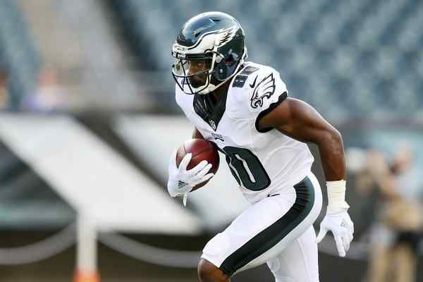 Wide receiver Paul Turner (80), shown warming up for a preseason game against Tampa Bay, was signed by the Eagles on Monday from their practice squad.