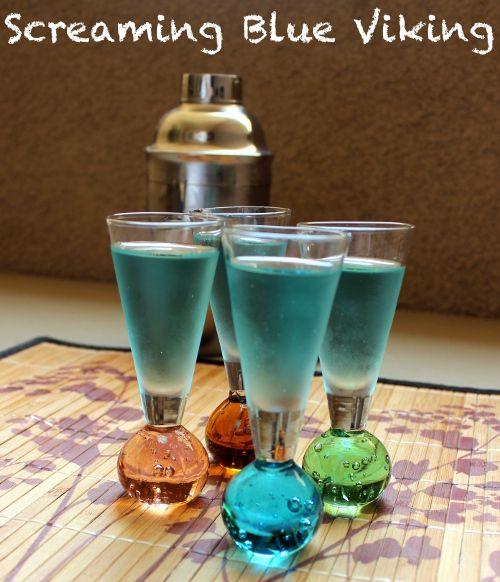 Screaming Blue Viking drink recipe - Yukon Jack, Rumple Minze, Blue Curacao http://mixthatdrink.com/screaming-blue-viking/