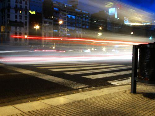 Luz urbana by Creario: Ideas Calidas, via Flickr: Ideas Calidas, Photo