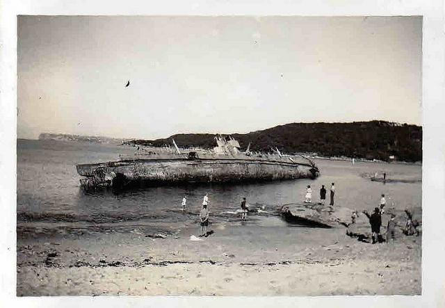Dutch Submarine founders on Fairlight Beach - June 1949