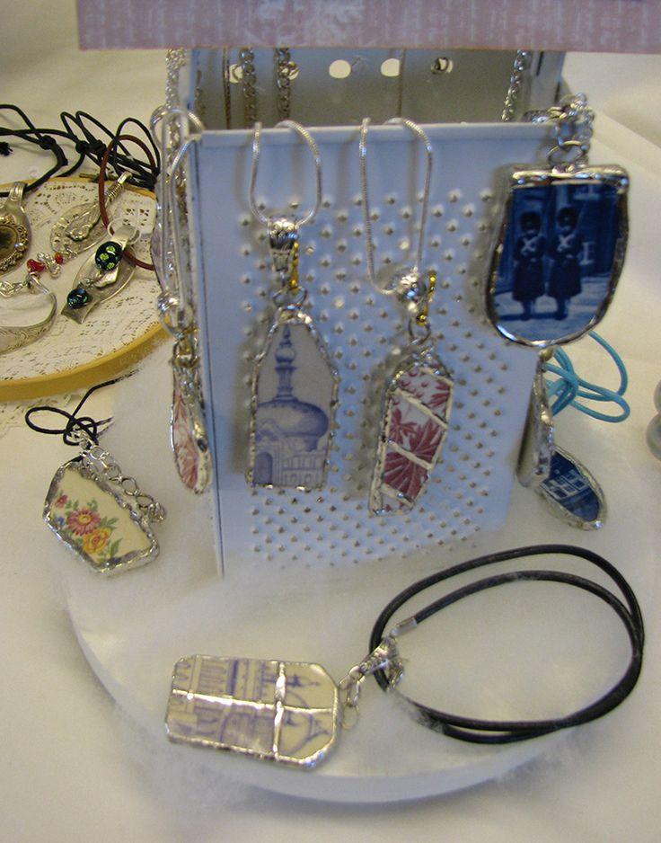 broken china jewellery