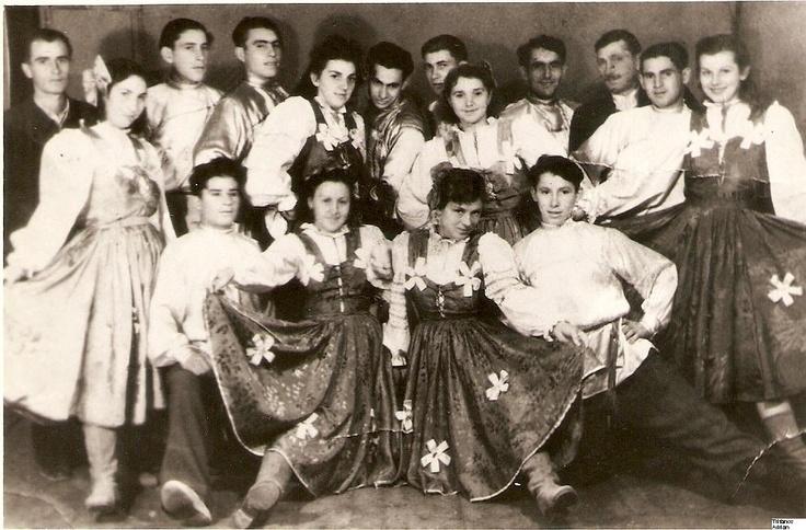 Ansamblu folcloric al rusilor lipoveni din Tulcea (old photo 1950)