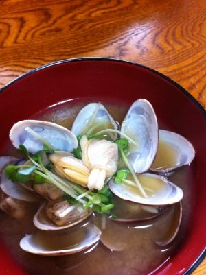 """Chillaxing miso soup with clam""/ほっこり♪ハートのあさり汁"