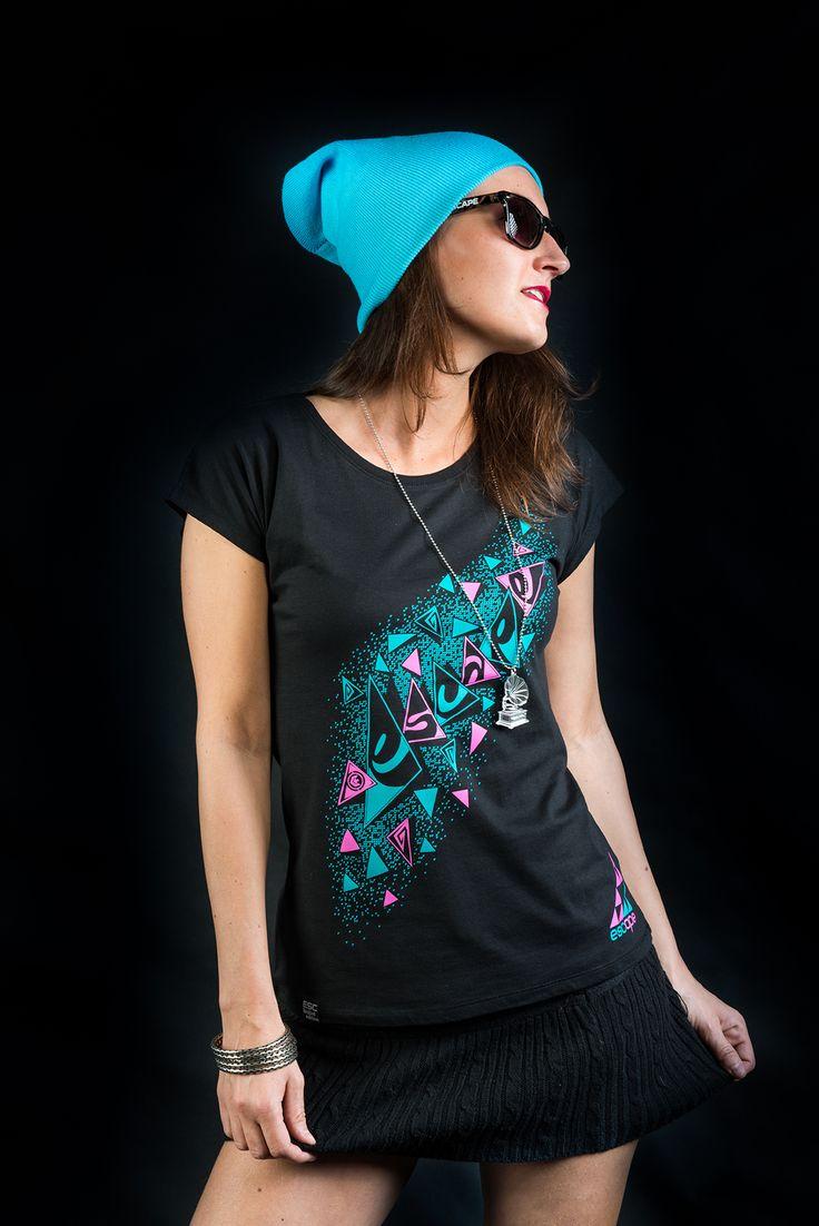 Hat: classic blue  Sunglasses:escape cheetahstyle Necklace: turntable clear  Model: Klárka