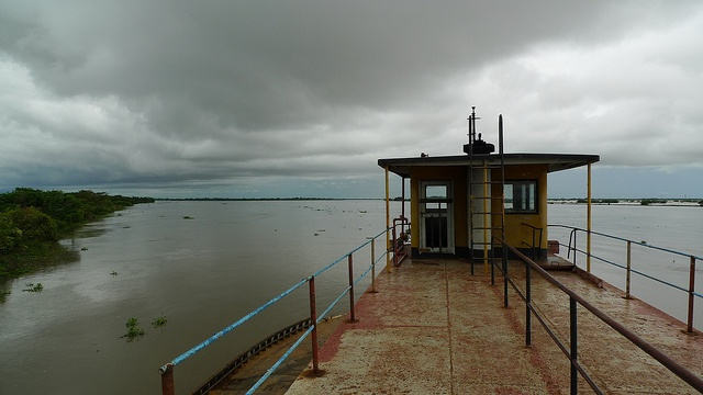 Ferry - near Mompox, Colombia by meckleychina, via Flickr