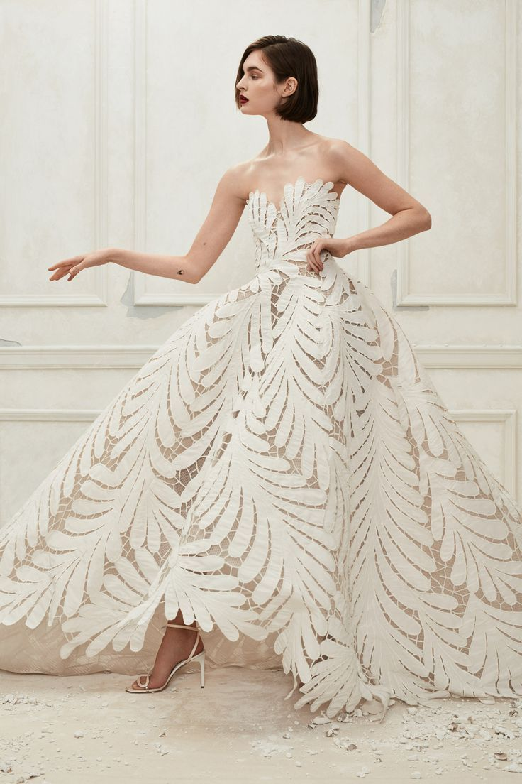 Cut Out Leaf Pattern Wedding Dress Oscar De La Renta Fall 2019 Bridal: Best Wedding Dress Patterns At Reisefeber.org