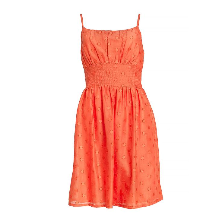 Dress trends for Spring 2014: Romancing the dress Soft fabrics, simple styles and colours, and spaghetti straps add a touch of femininity and romance. Perfect for a lazy summer picnic with your loved one.