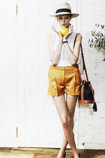 shirt ¥25,000 shorts ¥31,000 hat ¥15,000 bag ¥120,000