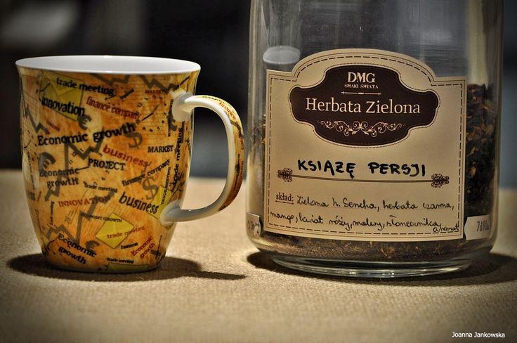Doskonała herbata zielona, która sprawi, że poczujesz się jak bohater z baśni 1001 nocy :)   Skład: herbata czarna, herbata zielona sencha, porzeczki, papaja, kwiat róży, kwiat słonecznika, kwiat malwy.  Opis: połączenie herbaty zielonej i czarnej, smak tropikalny z nutą limonki.  Czas parzenia:  1-3 minuty, 80-90°C #herbata #kawa #gdansk #gdynia #sopot