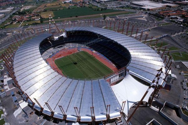 Estadio Delle Alpi. Turín, Italia