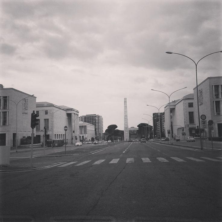 28/2/2015 nubesviajeras.com  El #Eur en blanco y negro.  #Roma #italia #travel #trip #1fotoaldía #picoftheday #aroundtheworld #wanderlust #nubesviajeras