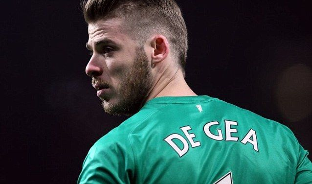 A curious case with David de Gea's transfer saga - http://movietvtechgeeks.com/a-curious-case-with-david-de-geas-transfer-saga/-Despite the three month speculations linking him to Real Madrid, the Spanish goalkeeper David de Gea is still a Manchester United player. De Gea is currently with the national team on international duty