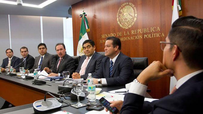 El #Senado promete concretar la #reformapolítica del #DF Mas información: http://goo.gl/p46dva