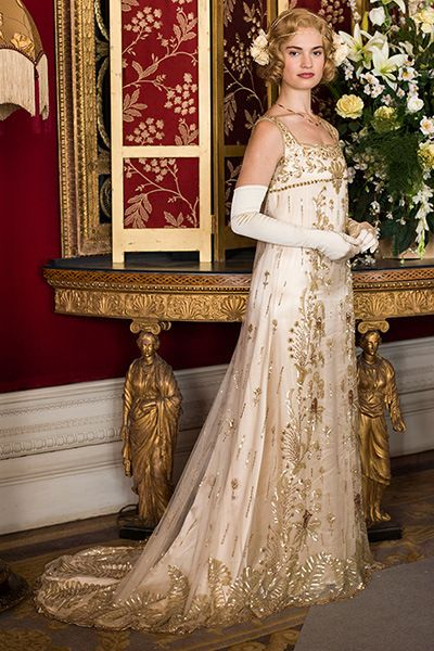 "Rose's wedding gown, it's vintage! Downton Abbey costume designer Anna Mary Scott Robbins said she got it from a vintage shop in London, and the wedding dress ""was a hundred years old and had never been worn."""