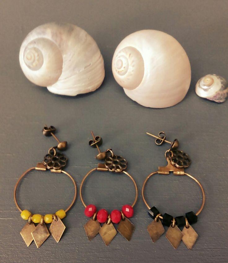 Mini créoles perles et bronze. Style sobre et chic !