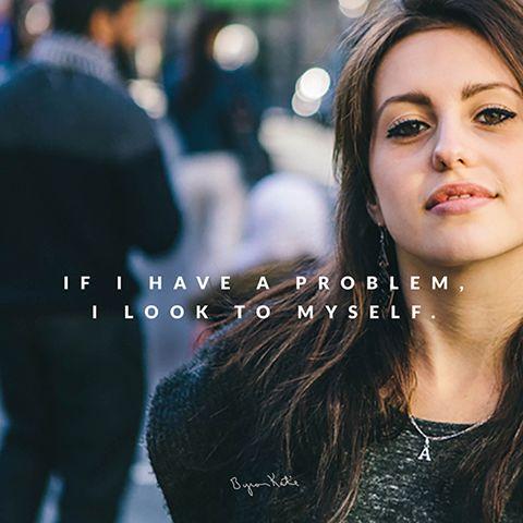 «Если у меня есть проблема, я посмотрю на себя.» ~ Байрон Кейти  «If I have a problem, I look to myself.» ~ Byron Katie