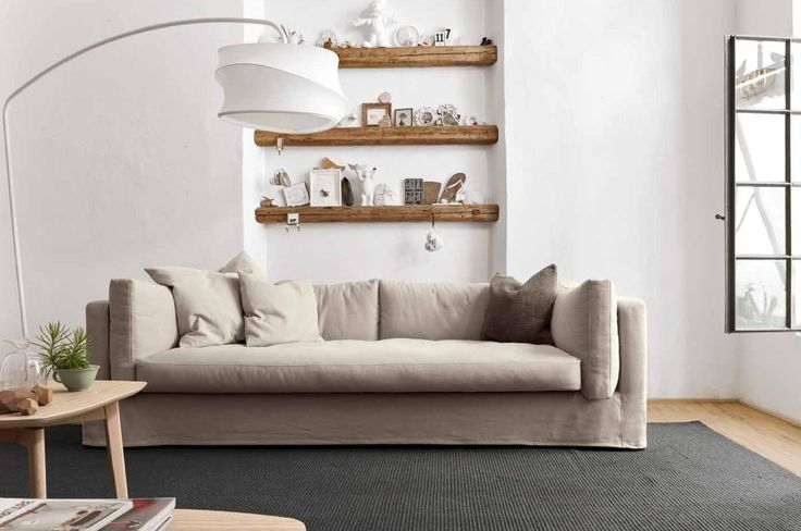 """GLAMMY sofa inspired by the ages of The """"Golden Age"""" of """"Hollywood Glamour"""" on 1930s and 1940s. Design by Calligaris."""