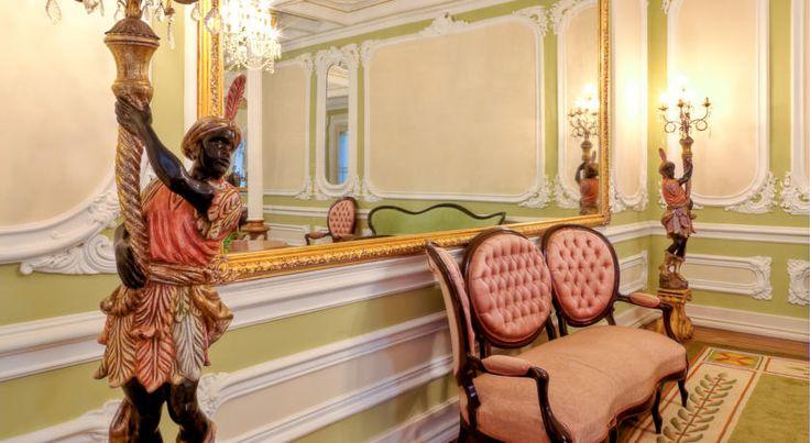 Palacete Chafariz del Rei - Um palácio adequado para quem procura o conforto de um hotel de luxo e um passeio pela história, bem no coração da velha cidade mourisca.