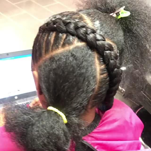 Very Cute Braid Style If You Have Only 1 Bag Of Braiding Hair Available Natural Hair Styles Hair Braided Hairstyles