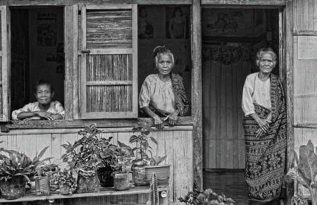 Vincentius Ferdinand Sonata: Gambaran Kehidupan Masyarakat Desa Getang Maumere tempat kelahiran kampung papa saya