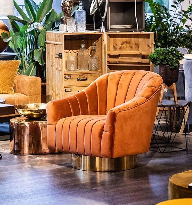 Sessel Of The Day Passend Zum Samstsofa Gestern Kommt Heute Der Passende Drehsessel Im Herbstlichen Orange Genau Richtig Zum Feier Home Decor Decor Furniture