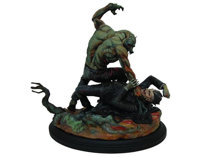 Frank Frazetta's Dracula Meets the Wolfman Statue (LE 500) - Frank Frazetta Statues