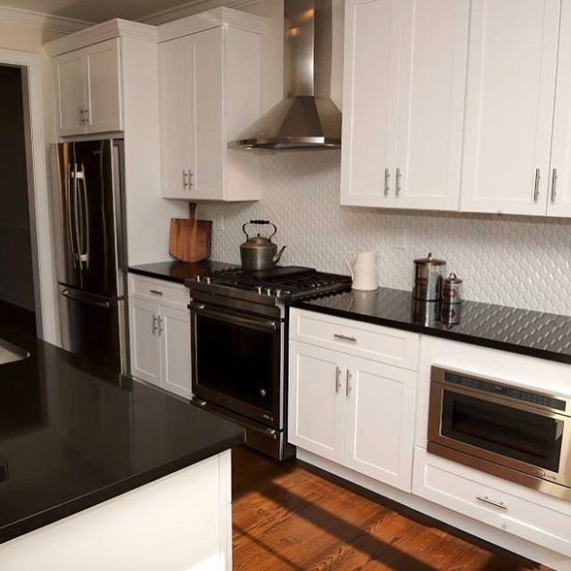 Kitchen Ideas White Cabinets Black Granite: 17 Best Ideas About Black Granite Countertops On Pinterest