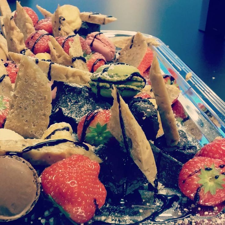 Soupster Catering delicacy dish: Truffle, Chocolate, Strawberries, White Chocolate Crisp, Profiterole, Cake, Macarons. #dessert #catering #helsinki | Soupster Catering