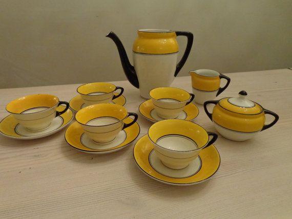 SOLD - Art Deco Tea Service made by Petrus Regout by HetTweedeServies, €75.00