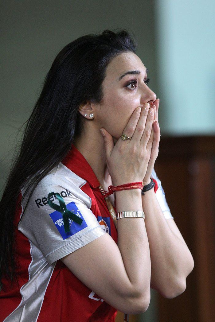 1000 Ideas About Preity Zinta On Pinterest  Deepika -9706