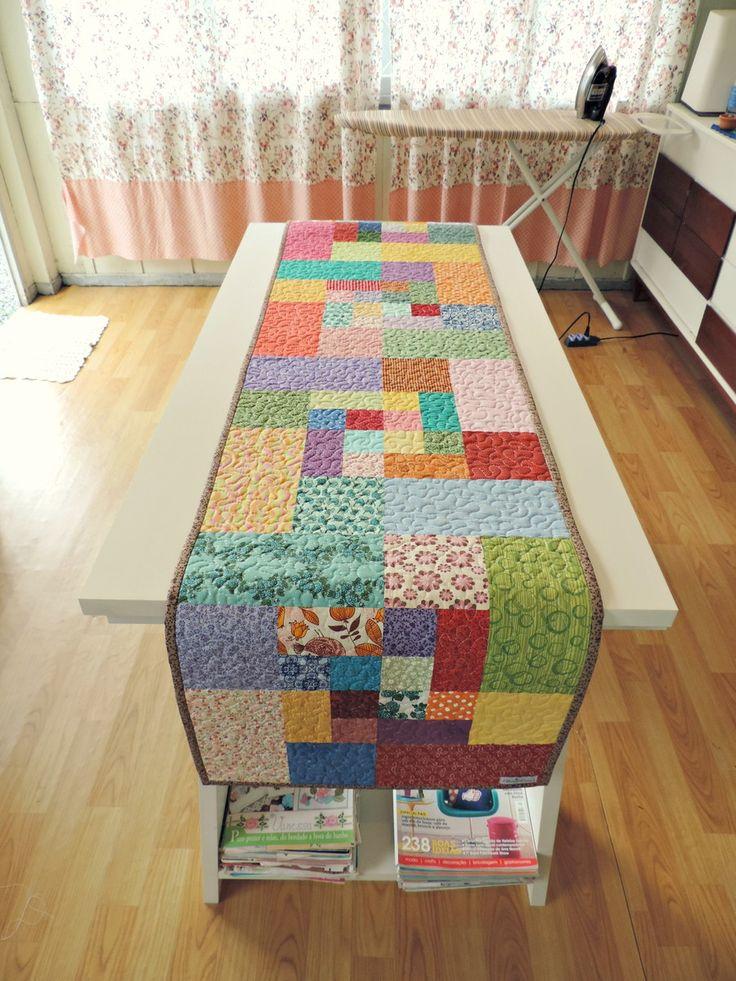 Trilho de mesa patchwork feito em tecido 100 algod o e - Casas de patchwork ...