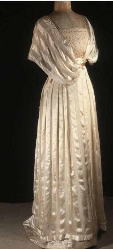 Evening Dress Manufacturer: Jacques Doucet Date: ca. 1910–1911