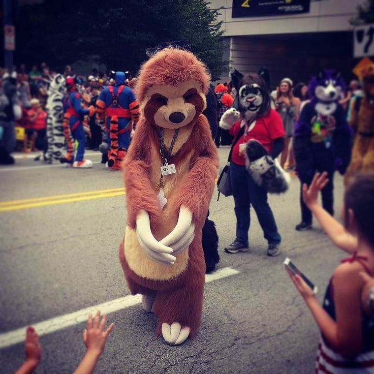 Sloth in the anthrocon parade. #furries #furry #anthrocon2016 #anthrocon #pittsburgh #lovepgh