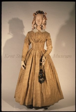 Printed wool dress, dated 1838-1842, American. Kent State University Museum collection: 1983.001.0071