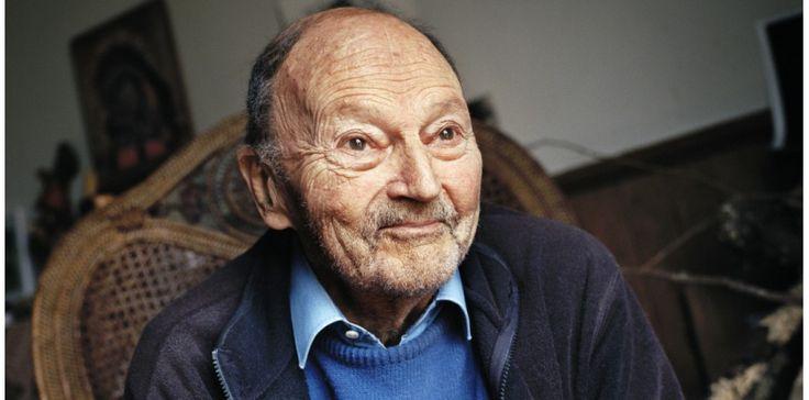 De Robinson à Barbe-Bleue et aux Rois mages, Michel Tourniern'a cessé de détourner les mythes. Il en est devenu un.Visite au grand écrivain dans son presbytère des Yvelines.