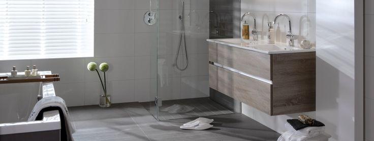 Een aangepaste badkamer heeft ruimte voor uw beperking. Uw badkamerspecialist in Den Helder van de kop van Noord-Holland. tel.0223-630900.