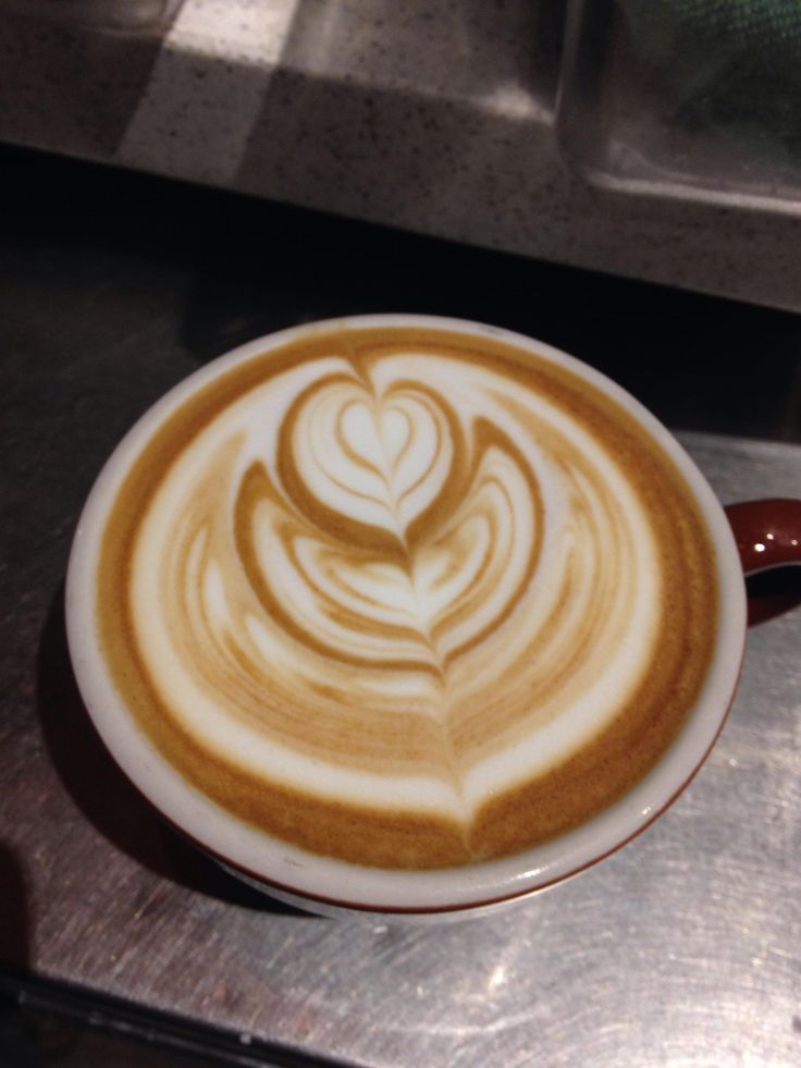 Working on the top layered heart wishing I had more definition in the base. Still happy with the progress. #barista #coffee #latteart #latte #cafe #espresso #starbucks #Hospitality