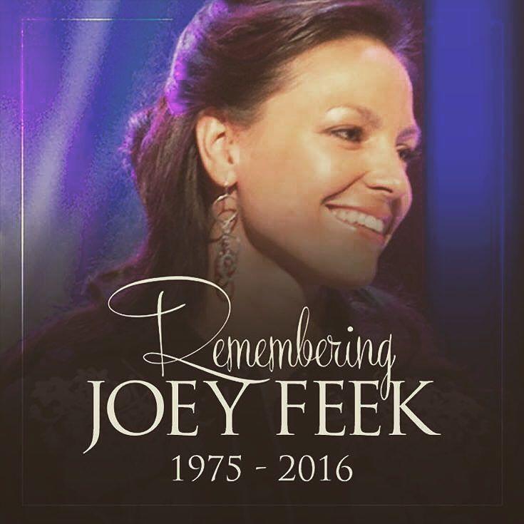 Måtte hun hvile i fred.. Er og forblir en av den beste innen countrymusikk. Og kjærligheten hun og Rory hadde for hverandre, var virkelig en inspirasjon, også på hennes siste. ❤️ #joeyfeek...
