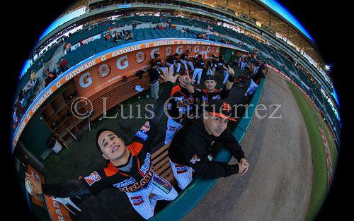 Naranjeros de Hermosillo de Hermosillo vs Mochis de Sinaloa en el estadio Sonora. Liga Mexicana Del Pacifico en Hermosillo a 22 Diciembre 2013. **CREDITO FOTO**: Luis Gutierrez