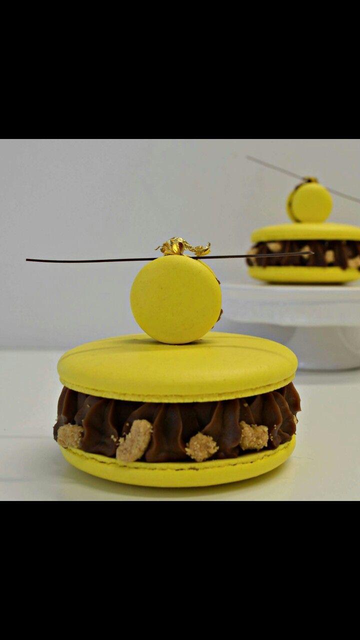 individual macaron banana caramel
