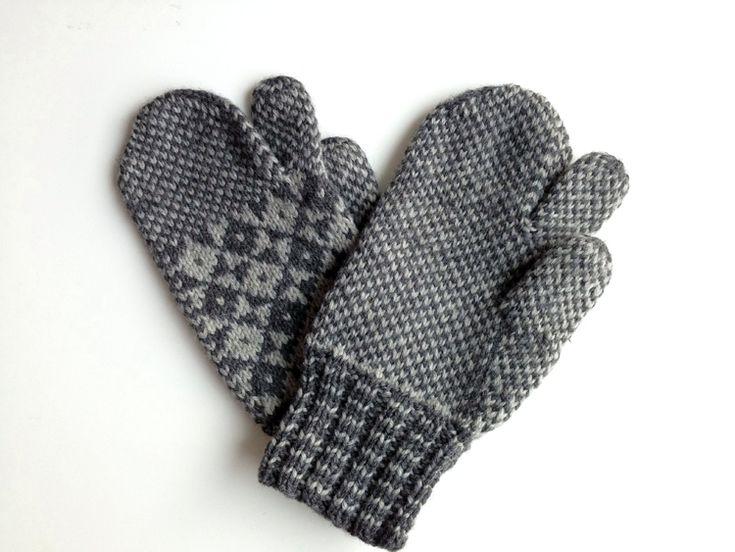 Newfoundland Trigger Finger Mittens | Newedist Handknits