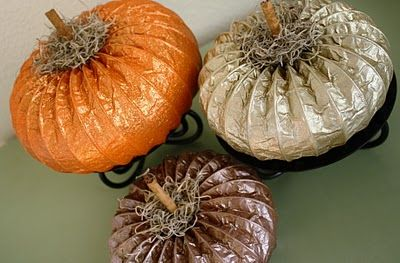 Glitter Dryer Vent Pumpkins - how cute are these! Check out the tutorial here: http://adiamondinthestuff.blogspot.com/2011/09/dryer-vent-pumpkin-tutorial.html