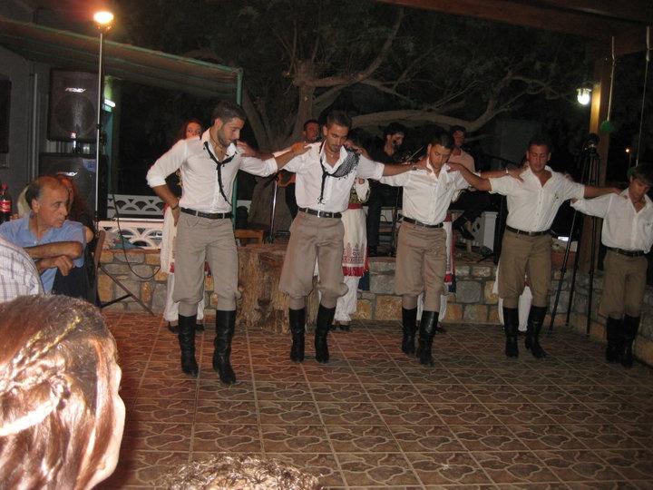 Cretan traditional costumes