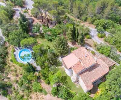 Vue aérienne des Chambres d'hôtes à vendre à Rians dans le Var